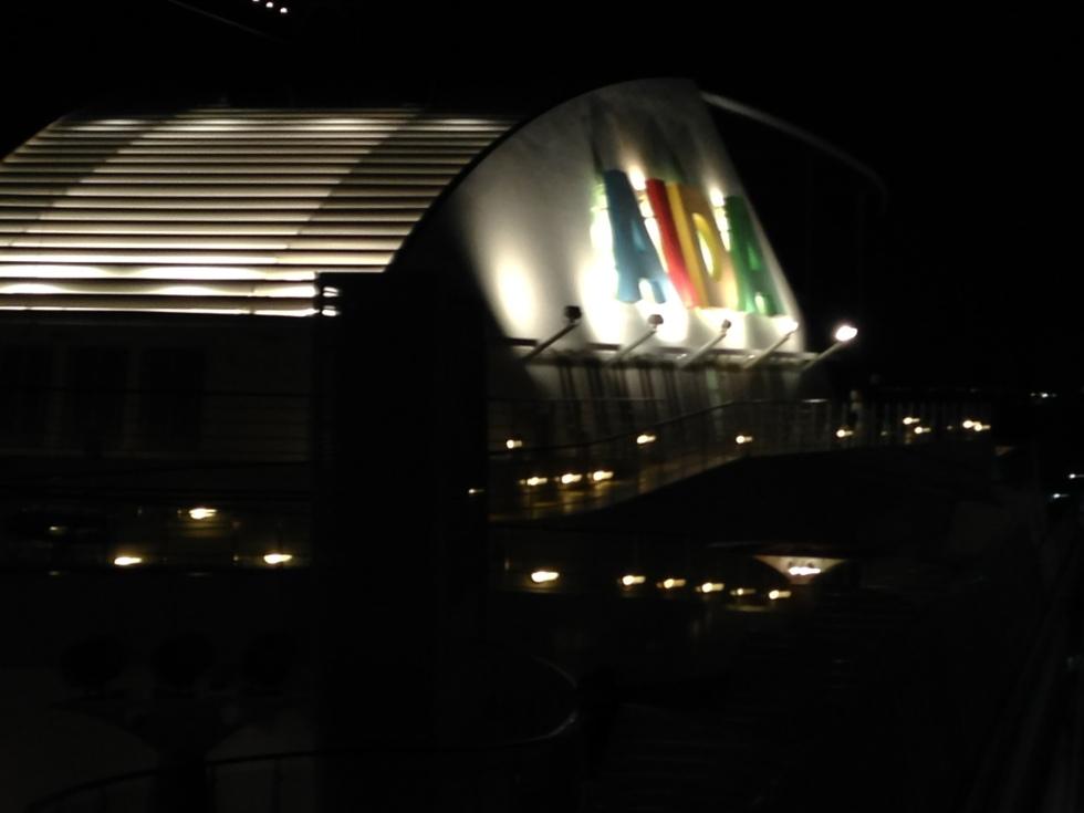 AIDAdiva bei Nacht